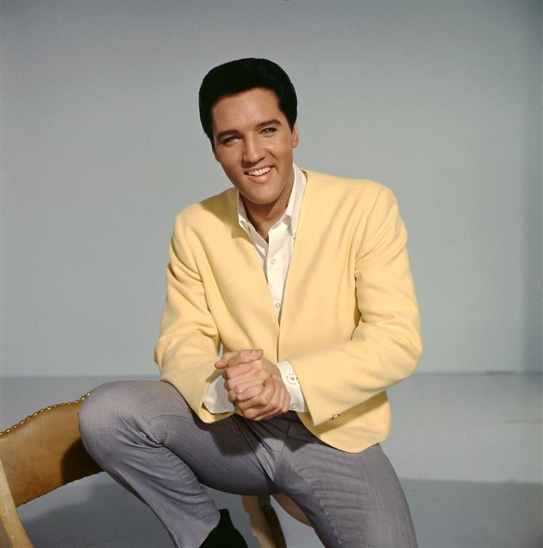 Elvis Presley - The King of Rock & Roll in Yellow
