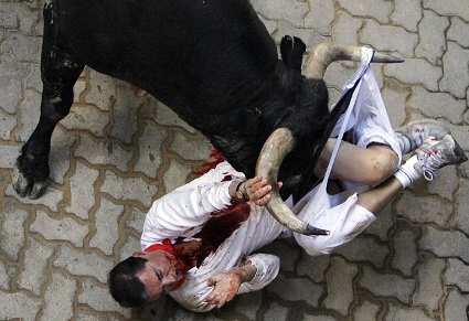 Runner Survives Being Gored by Bull in Pamplona's Running of the Bulls 2009